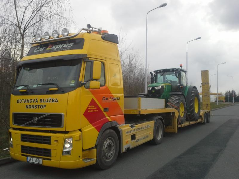převoz traktoru